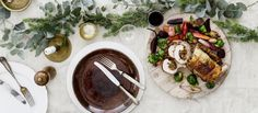 Pistaasilla ja viikunalla täytetty kylkirulla on maukas vaihtoehto joulukinkulle. N. 2,55€/annos.    Resepti: Suvi Rüster