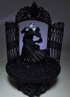 Halloween Wedding Cake Toppers   Wedding Fairytale Dreams Lighted Frankenstein Wedding Cake Topper
