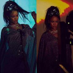 """OMG! A #Rihanna tá poderosa nessas imagens divulgadas pelo #CalvinHarris do videoclipe de """"This is What You Came For"""" com a Riri!!! O clipe será liberado amanhã!!! • • • • • • • • • • • • • • • • • • • • • • • • • • • • •  OMG! @badgalriri is powerful in these images released by @calvinharris of video clip """"This is What You Came For"""" with Riri !!! The clip will be released tomorrow!!!"""