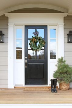 70 Beautiful Farmhouse Front Door Design Ideas And Decor. If you are looking for 70 Beautiful Farmhouse Front Door Design Ideas And Decor, You come to the right place. Front Door Paint Colors, Painted Front Doors, Front Door Design, Front Door Decor, Entrance Decor, Entrance Design, Front Door With Glass, Front Door Molding, Best Front Doors