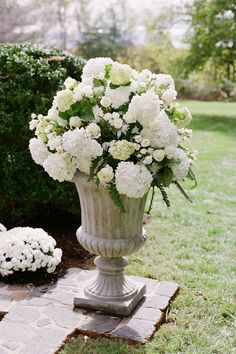 large white hydrangea wedding ceremony arrangement for either side of aisle (at corner of the front two rows) - these will actually be in flat containers on top of rustic columns that Petals has already Alter Flowers, Church Flowers, White Flowers, Beautiful Flowers, White Hydrangeas, White Roses, Hortensien Arrangements, Wedding Ceremony, Wedding Day