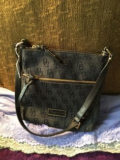 SALE Gorgeous Dooney & Bourke Charcoal Grey SIG Shoulder Bag Zip Purse Hobo $72 freeship