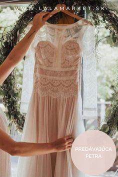 Cena: 600 € Silueta: A-Línia Veľkosť na štítku: 36 (EU) Značka/dizajnér: @maggiesottero Stav: Použité (oblečené na svadbe) #svadobnesaty #svadba #nevesta #weddingdress #wedding #bride Maggie Sottero, Silhouettes, Lace, Tops, Women, Fashion, Moda, Fashion Styles, Silhouette
