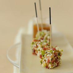 Découvrez la recette des bouchées de foie gras aux amandes et jambon cru