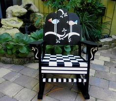 love the black and white #painted #furniture