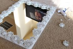 DIY Mirror Frame Makeover: Upcycled Pistachio Shell Mirror
