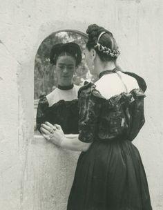 faithistorment:  Mirror Mirror: Rare Photos of Frida Kahlo