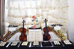 Música / Ideas de la fiesta de bodas Instrumentos   Foto 1 de 8   Catch My Party