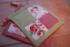 Sweet gingham potholders