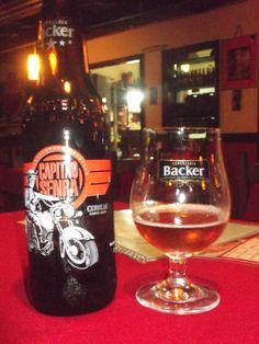 Capitão Senra, ótima pedida! Uma Amber Larger da ótima cervejaria Backer....ai sendo degustada no Bar do Gerson em Macacos.