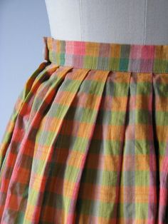 vintage 1950s skirt / 50s gingham check skirt by Dronning on Etsy, $48.00