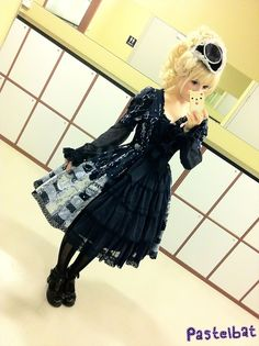 Pastelbat in gothic lolita Kawaii Goth, Yohji Yamamoto, Pastel Goth, Lolita Fashion, Gothic Lolita, Dress Me Up, Cute Fashion, Grunge, Punk