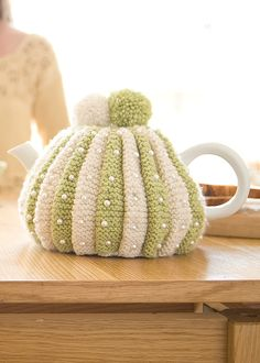 To finally knit a tea cosy. Crochet Kitchen, Crochet Home, Knit Crochet, Knitted Tea Cosies, Teapot Cover, Rowan Yarn, Crochet Supplies, Tea Cozy, Tea Accessories