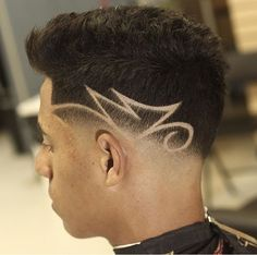 Low fade freestyle line inspired by 🔥✂️ ✂️🔪🗡 The fade lab 💈 2669 w edinger st Santa Ana CA. 92704 ☎️ Book your appointment. Boys Haircuts With Designs, Hair Designs For Boys, Haircut Designs For Men, Cool Hair Designs, Barber Haircuts, Cool Haircuts, Haircuts For Men, Basic Hairstyles, Boy Hairstyles
