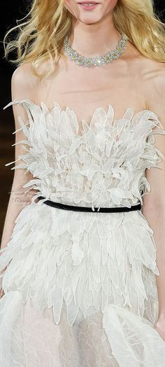 If the fluttery things at the top were some kind of organisms. Only Fashion, Love Fashion, Fashion Outfits, Couture Fashion, Runway Fashion, Womens Fashion, Couture Details, Fashion Details, Cute Dresses