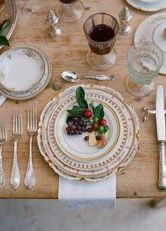 If I had a million dollars: Table & silverware. --- Elopement With A Gypsy Soul China Silver Table Setting Fruit Wedding Reception Decor Fruit Wedding, Wedding Flowers, Silver Table, Beautiful Table Settings, Once Wed, Rustic Elegance, Rustic Chic, Vintage China, Vintage Plates