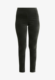Black Jeans, Pants, Fashion, Trouser Pants, Moda, Fashion Styles, Black Denim Jeans, Women Pants, Fasion