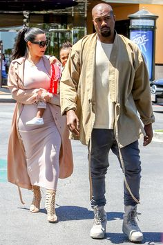 With Kim Kardashian West and North West at the movies in Calabasas California. Kanye West Outfits, Kanye West Style, Kanye West Fashion, Urban Fashion, Mens Fashion, Fashion Outfits, Ibiza, Yeezy Outfit, Kim And Kanye