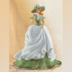 When-Irish-Eyes-are-Smiling-Lady-Figurine-Irish-Ladies-of-Song-Bradford-Exchange