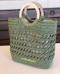 No photo description available. Crochet Handbags, Crochet Purses, Crochet Bags, Crochet Accessories, Bag Accessories, Bag Pattern Free, Sack Bag, Granny Square Crochet Pattern, Purse Patterns