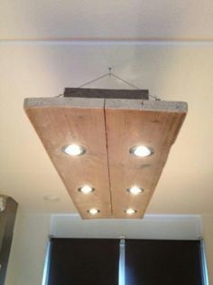 Steigerhouten lamp voor boven een eettafel bijv.