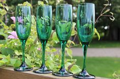Hey, I found this really awesome Etsy listing at https://www.etsy.com/listing/194540318/emerald-green-champagne-flutes-libbey