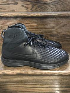 the latest ef0a1 d0467 Mens Nike Lunar Magista II Flyknit Triple Black Shoes Sz. 10.5 ID  852614-001