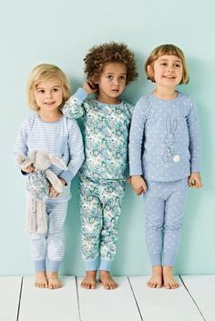 Make sure your daughter looks the cutest with these adorable blue Bunny Appliqué pyjamas