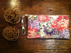 Clutch de linho floral - vendida