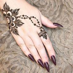 Missing this lady @lvglamnails ... and @malishka702_nails ... time for a girly night I think! ❤ #henna #mehndi #nails #vegasnails #vegashenna #shesthebomb #malishkarules