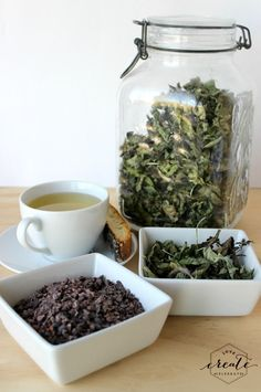 How to dry peppermint and make your own chocolate peppermint tea :) #mint #DIY #tutorial #tea #fresh #garden