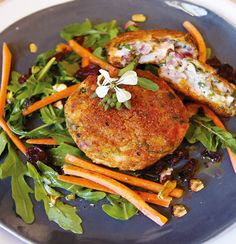 Salmon fish cakes by Siba Baked Salmon Recipes, Fish Recipes, Seafood Recipes, Recipies, Sibas Table Recipes, Food Network Recipes, Food Processor Recipes, Salmon Fish Cakes, Fish Cakes Recipe