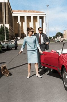 "Audrey Hepburn in Rome with Mel Ferrer and her dog,""Famous"" Audrey Hepburn Style, British Actresses, Marilyn Monroe, Her Style, Sally, Divas, Style Icons, Lee Radziwill, 1960s Dresses"