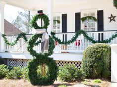 A sturdy wooden support   3 faux evergreen wreaths = a friendly outdoor snowman who won't melt, making him the perfect decoration for snow-free climates. Plus, using faux wreaths, rather than fresh, means you can display him year after year. Get started with our tips and step-by-step instructions.
