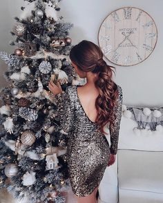Final post of today is of stunning ❤️ showing off her beautiful Christmas tree🎄and amazing sequin dress💃🏽