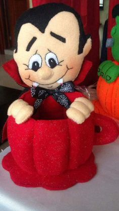 Dulceros Halloween, Moldes Halloween, Adornos Halloween, Manualidades Halloween, Halloween Favors, Halloween Trick Or Treat, Holidays Halloween, Halloween Decorations, Felt Toys