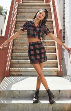John Galt caters to your preppy side with the Vivian Top. Available in a plaid print, this collared shirt is complete with short sleeves, button-down front, and a cropped fit. Hot Outfits, Girly Outfits, Skirt Outfits, Summer Outfits, Stylish Outfits, Unique Outfits, White Cami Tops, Teen Fashion, Fashion Outfits