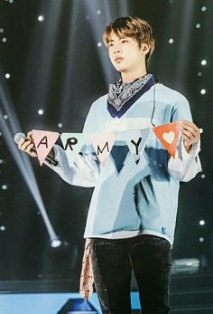 Jin shows us so much love. ARMY loves Jin too❤❤❤