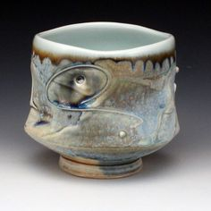 Pottery is elegant, diverse and quite the attractive addition to any part of your home. The kitchen is no exception as it can also benefit from the addition of pottery in a variety of ways. Pottery Mugs, Ceramic Pottery, Pottery Art, Slab Pottery, Clay Cup, Clay Pots, Ceramic Fish, Ceramic Bowls, Ceramic Glaze Recipes