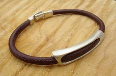 Men's chunky leather bracelet, with silver window design