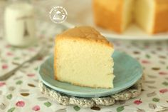 As promised in my earlier pure vanilla chiffon cake post  that I will share with you ofbaking a chiffon using a normal cake pan that has...