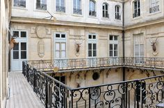 Balcon de la cour des Cerfs - Château de Versailles