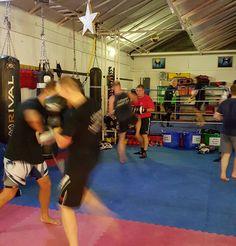 Kickboxing going nicely tonight in Basildon Essex  #basildon #fitness #health #kickboxing #muaythai #twitter #boxing #mma #bjj #5elementsuk #selfdefense #essex #tonywillis