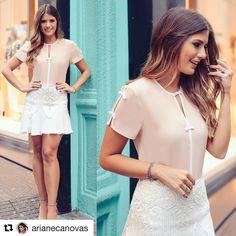 #Repost @arianecanovas with @repostapp  ・・・  Bom dia!! De @donnaritzoficial para começar o dia! ☀️ Saia com renda maravilhosa e blusa de lacinhos!