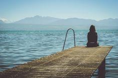 A veces no es solo el desamor en sí lo que te produce #dolor. Este es solo una de otras tantas cosas, todas las cuales salen a la luz a causa del detonante, que es el #desamor... No ayuda que, al estar viendo solo la superficie, los demás traten de relativizar tu #sufrimiento o frivolicen sobre el desamor por el que estás pasando. #reflexiones #altamentesensible #PAS #emociones #sentimientos #psicología #amor #fobiasocial #valores Shizuoka, Maybe For You, Let It Be, Emotional Clutter, Christophe André, Blues, One Sided Love, Visualisation, Negative Emotions