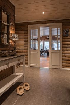 Spectacular Ideas to create your dream log cabin in the woods or next to a creek. A peaceful environment to get away from our crazy crazy life. Log Home Interiors, Cottage Interiors, Log Cabin Homes, Home And Deco, House In The Woods, House Design, Decoration, House Styles, Crazy Crazy