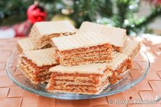 Wafer Sheets Filled with Caramelized Sugar and Walnut Cream is my mom's quickest dessert. Apple Recipes, Cookie Recipes, Dessert Recipes, Bread Recipes, Holiday Recipes, Croatian Recipes, Hungarian Recipes, Wafer Sheets Recipe, Romanian Desserts