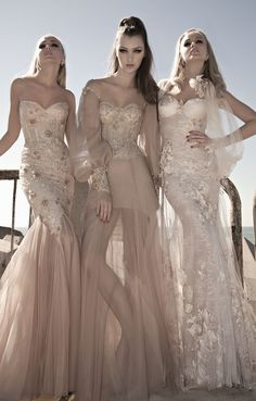 times three models in stunning evening gowns glamour Bridal Dresses, Wedding Gowns, Bridesmaid Dresses, Prom Dresses, Lace Bridesmaids, Dress Prom, Lace Wedding, Party Dress, Vestido Dress