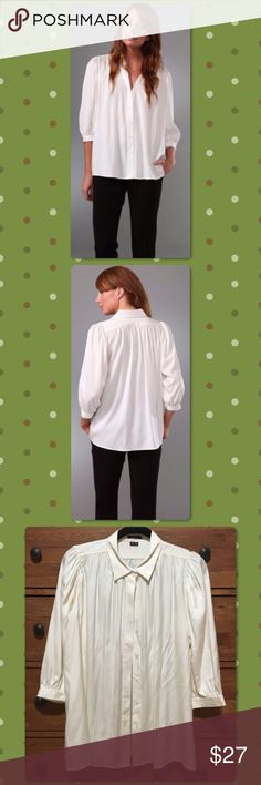 ⭐ Like New Theory Jeremia Blouse ⭐ This gorgeous blouse runs very big.  It is in like new condition and is a reposh because it did not fit me.  This silk blouse features a six button closure and is cut very generous.  I am a 6/8 and it is too big on me.  Photo cred: @designerdeals16. Theory Tops Blouses