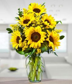 Sunflowers are my 2nd favorite flower after the beautiful white roses! Aren't these beautiful!